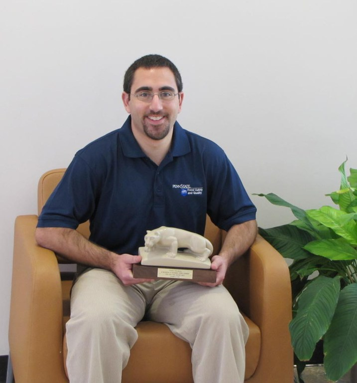 Josh Scheinberg recipient of the Graduate Student Leadership Award